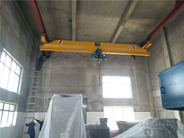 Underslung EOT Crane with Hoist
