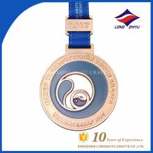 2017 Diseñar su propia medalla de metal personalizado de producción de aleación de cinc premio de oro en blanco.