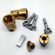 Torno automático de piezas personalizadas.