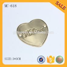 MC618 Сердце формы на заказ металлический логотип для одежды