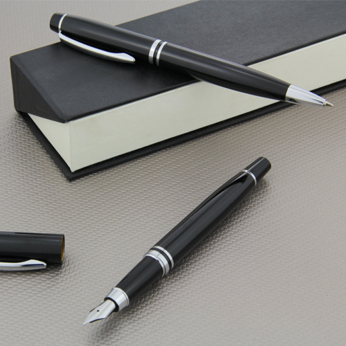 a classic look with a perfect weight and balance ball pen and fountain pen (5)
