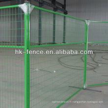 Panneaux provisoires de clôture de la couleur verte chaude 6ft de vente avec des pieds en acier