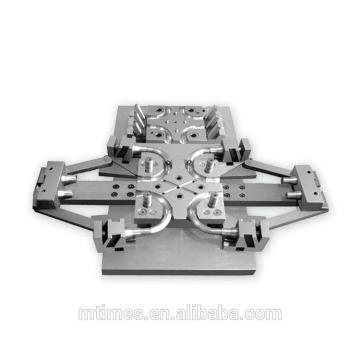 El precio bajo y el molde más popular de la prensa del metal del equipo de la limpieza