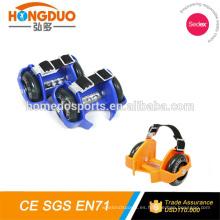 Juguetes populares de los cabritos dos ruedas de la PU del LED que destellan la vespa del rodillo / del pie