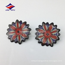 Glossy epoxy nickel plating flower shaped bdge with parts