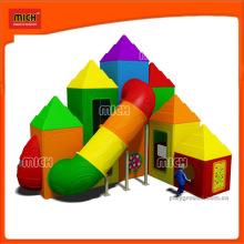 Small Outdoor Plastic Tunnel Slide Playground