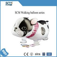 Neuer angekommener gehender Tierhaustier-Ballon