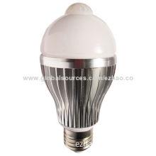 7W PIR LED motion sensor bulb light, CE/RoHS marks, 2-year warranty, 630LM, 5M sensor distance