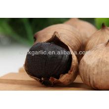 Precioso y delicioso ajo negro fermentado orgánico solo