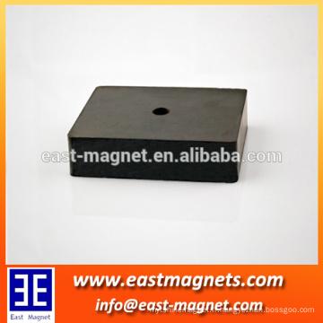 Aimant ferrite durci fritté fabriqué en chaîne / utilisé dans des moteurs magnétiques permanents et des haut-parleurs / fournisseur chinois