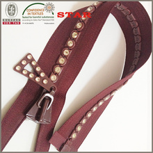 Zipper with Rhinestone for Distinc Garments