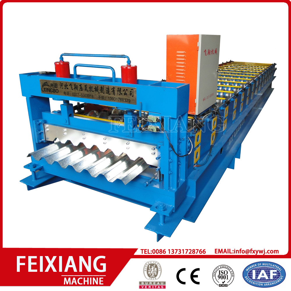 Color steel trapezoidal panel roll forming machine
