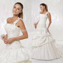 2014 Tafetá de um ombro com decote curvo suave Vestido de noiva com vestido de borracha plissada Appliqued Saia Picked-up NB0887