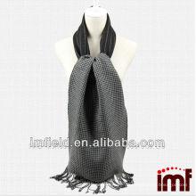 Neueste Design Woven Reversible Black Wool Schals Männer