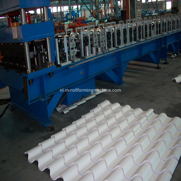 Automatic glazed steel tile forming machine