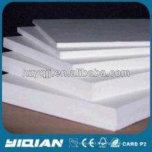 Feito na China Espessura de 15 mm Folha de espuma de PVC branco de alta densidade Aplicação de móveis leves Folha de espuma de PVC