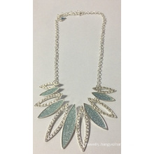 Beautiful Bling Bling Silver Necklace with Metal