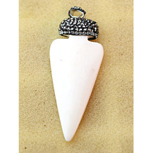 Fashion Sabre- Shaped Cow Bone Synthesis Crystal Jewelry Necklace Pendant