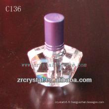 Belle bouteille de parfum en cristal C136