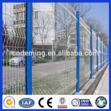 Hochwertig billig geschweißt Drahtgeflecht gebogenen Zaun / hohe Sicherheit gebogenen Zaunpaneele