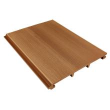 Telhado composto de madeira da parede exterior Telhado composto de madeira da parede exterior