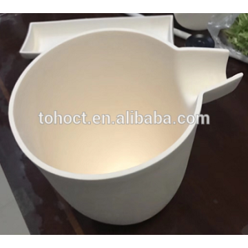 Alumina melting crucible with handle