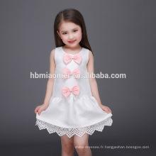 Fleur blanche moyen style de longueur et de conception sans manches de la Chine