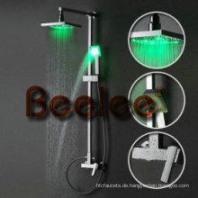 An der Wand befestigte LED-Badezimmer-Niederschlag-Dusche eingestellt