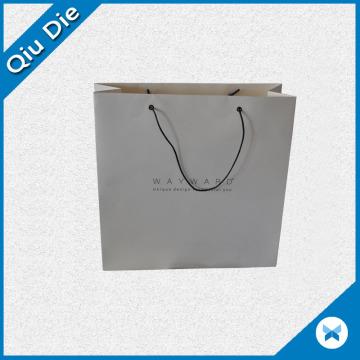 Bolso de empaquetado promocional del papel impreso para la ropa y los zapatos