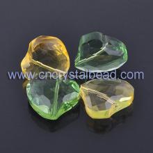 Torção de grânulo do coração forma jóia lapidada do grânulo