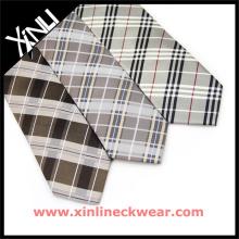 Cravates en soie à carreaux pour hommes