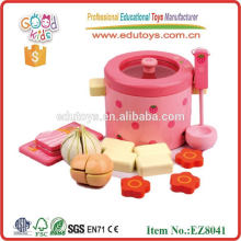 Hot Sale In Amazon Wooden Kitchen Toys Strawberry Cooking Set Toys for Child