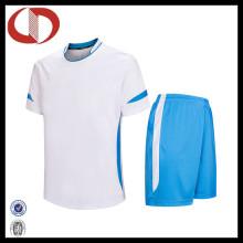 Preço barato New Fashion Bulk Futebol Uniforme Conjuntos