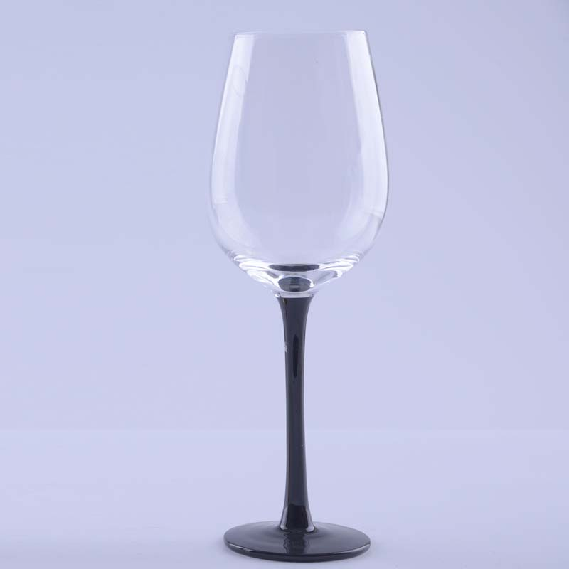 Br 8124hot Sale Crystal Glass Black Stem Wine