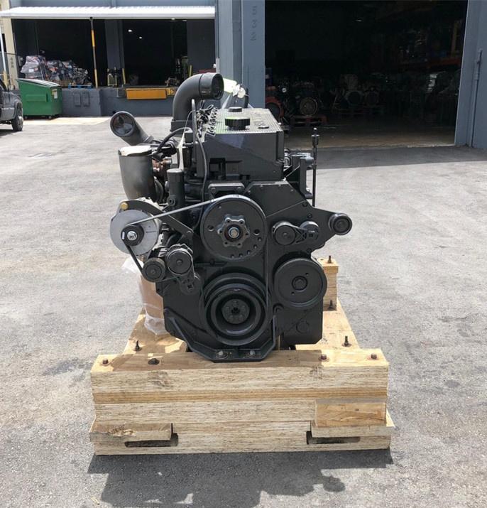 M11 Qsm Engine 2 Jpg