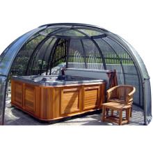 Casa de madera prefabricada con cerramiento de patio retráctil