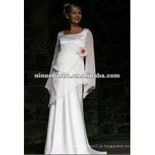 Vestido de noiva impertinente de manga longa