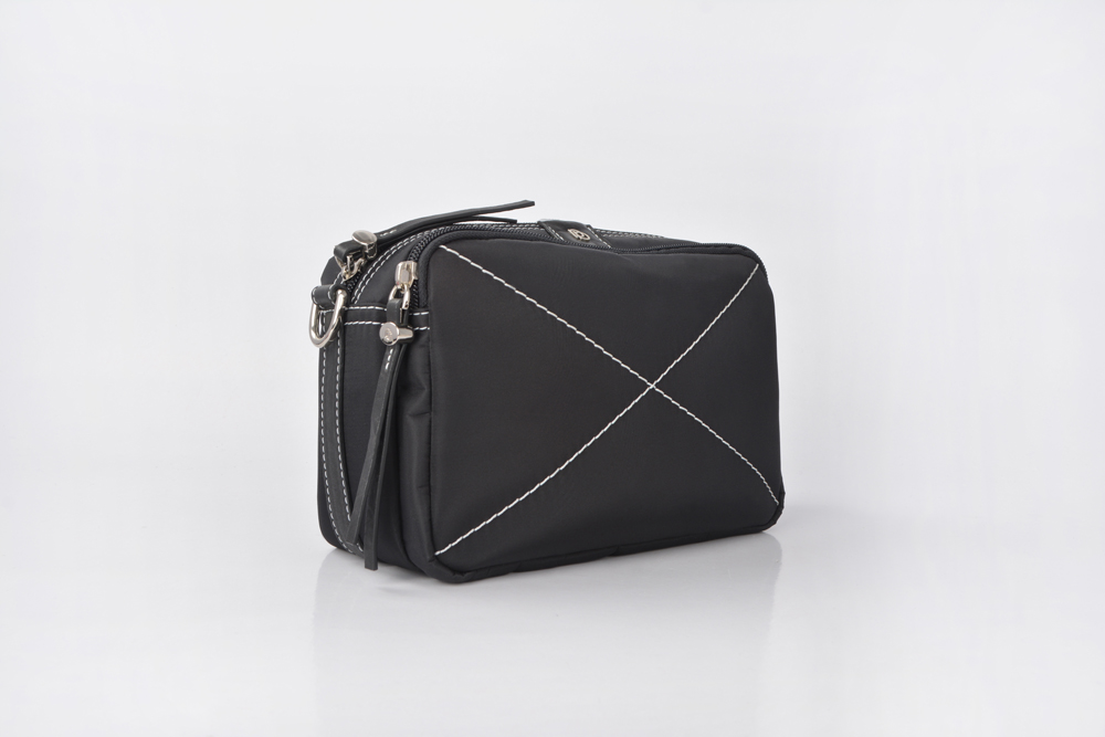 ladies fashion travelling nylon shopping cosmetic woman bags