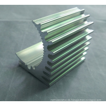 CNC-Bearbeitungsteile Aluminiumprofil für Kühlkörper mit unterschiedlicher Form