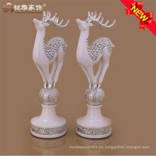Regalo decorativo de vacaciones de Navidad tema animal resina estatuas escultura de ciervos para la decoración del hogar