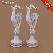 Cadeau décoratif de vacances Noël motif animé statues de résine sculpture de cerf pour décoration de maison