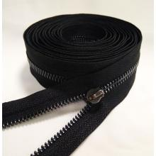 Precio al por mayor Diverse Brass Zipper in Roll
