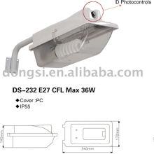 con brazo de hierro Luz de calle plástica para lámpara de ahorro de energía CFL
