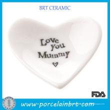 Plat en porcelaine en forme d'amour en gros blanc