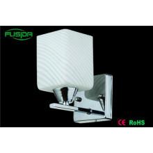 Popular Lâmpadas de parede LED de vidro branco Iluminação
