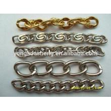Chaîne métallique de qualité supérieure. Fabrication de chaînes décoratives