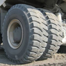 Neumáticos para Komatsu 960e Mining Dump Truck