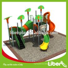 Juego de juegos de patio verde serie Qing para niños