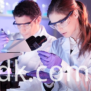 health-care-professionals-in-lab-ThinkstockPhotos-500924885