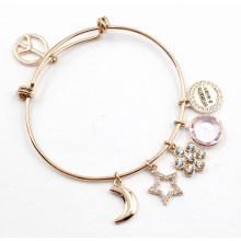 Bracelet sur mesure avec charmes